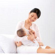 Khi bú sữa mẹ, sữa bột cho bé hoặc kết hợp cả 2 loại sữa thì phân bé sẽ thế nào?