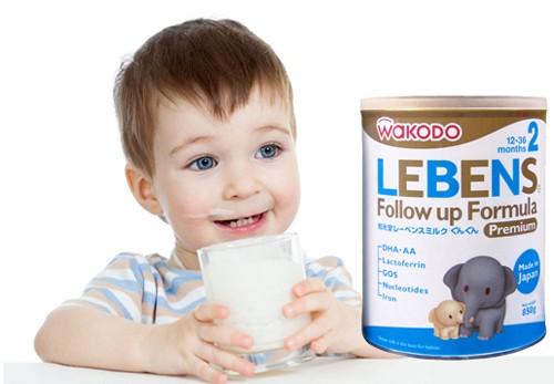 8 điều cần lưu ý khi chọn sữa bột cho bé