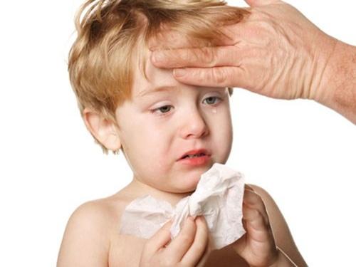 Tuyệt chiêu giúp mẹ chăm bé mau khỏi bệnh khi tiết trời sang thu