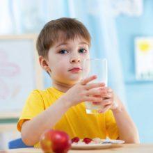Sữa cho con – Chọn sữa nội hay ngoại?