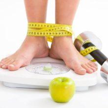 Nên chọn cân sức khỏe điện tử hay cân sức khỏe cơ học