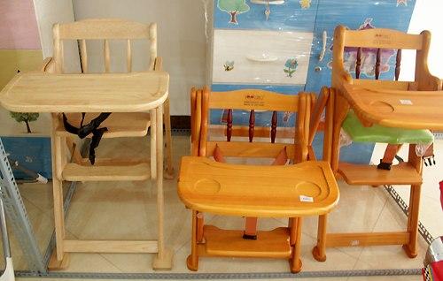 5 tiêu chí để chọn được một chiếc ghế ăn dặm tốt cho bé