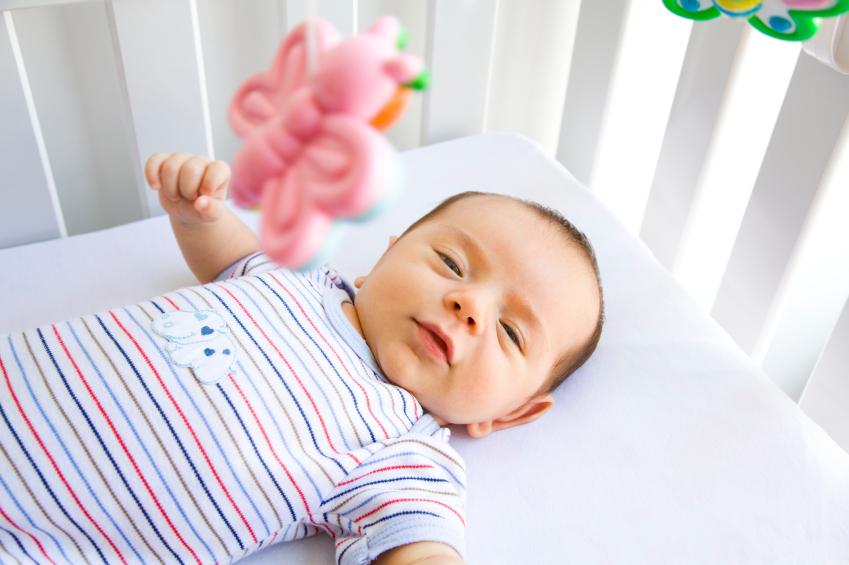 Có cần mua áo cộc cho bé sơ sinh không ?