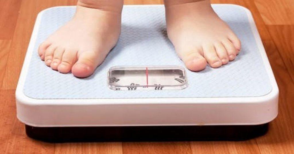 8 giải pháp cho bé chậm tăng cân