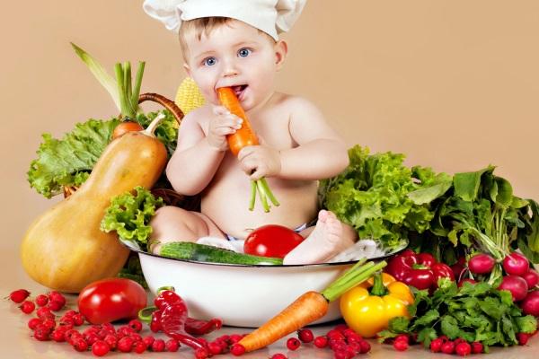 chế độ dinh dưỡng cho trẻ chậm tăng cân.
