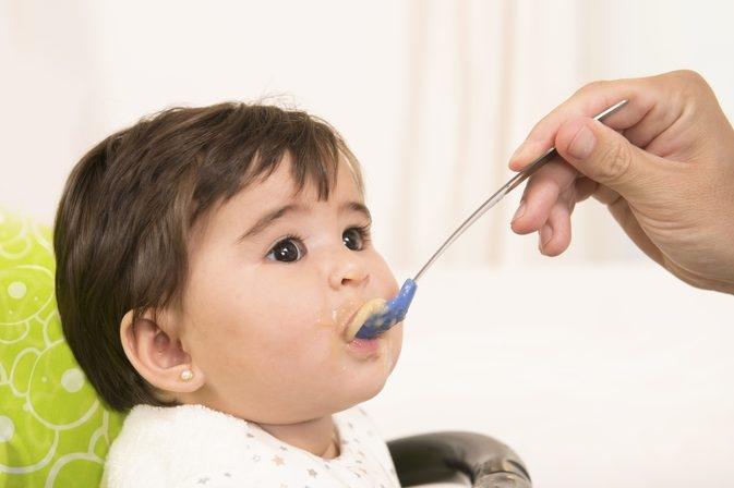 Mách mẹ chọn bột ăn dặm cho trẻ dị ứng sữa bò Di-ung-bot-an-dam