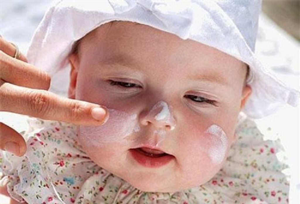 kem dưỡng da cho bé
