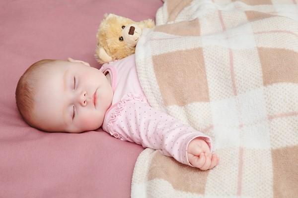 chăm sóc trẻ sơ sinh vào mùa đông
