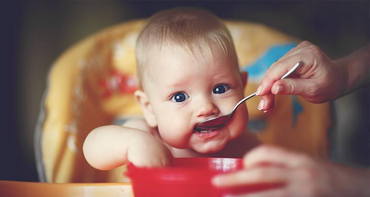 Mấy tháng cho trẻ ăn dặm là tốt nhất?