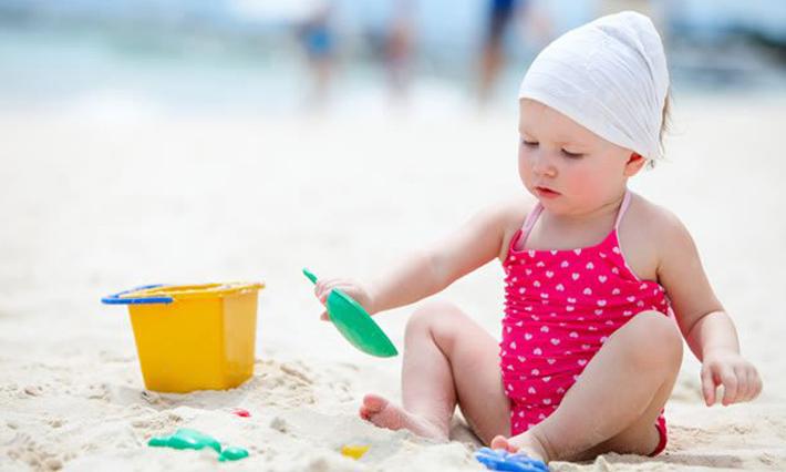 Bộ đồ chơi xúc cát cho bé đi biển