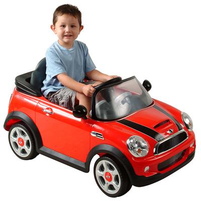 Thế giới xe đồ chơi ô tô cao cấp cho bé tại Kids Plaza