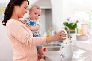 Máy hâm sữa giúp mẹ tiết kiệm thời gian