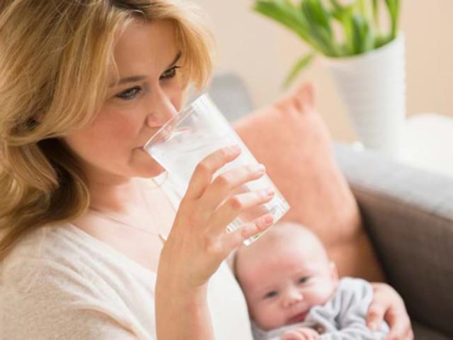 Nên dùng máy hút sữa khi ít sữa