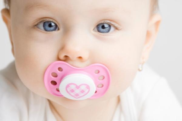 Ty ngậm loại nào tốt nhất cho trẻ sơ sinh