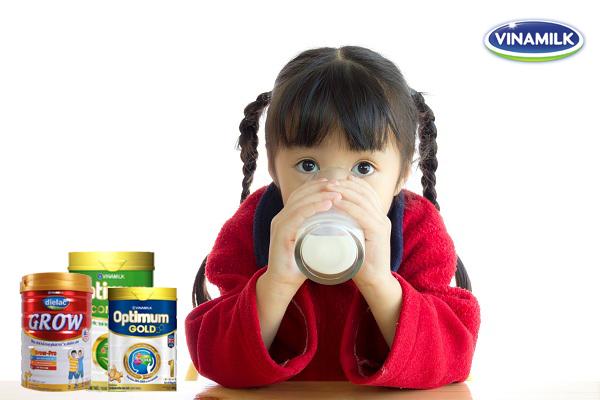 """""""Tất tần tật"""" thông tin về các loại sữa bột Vinamilk cho trẻ em"""