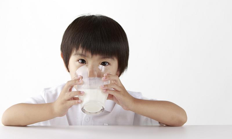 sữa bột cho bé trên 1 tuổi