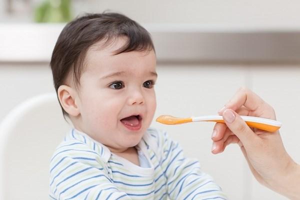 Nên cho bé ăn dặm bột ngọt bao lâu là tốt nhất?