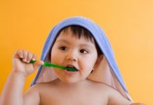 bàn chải đánh răng cho bé loại nào tốt