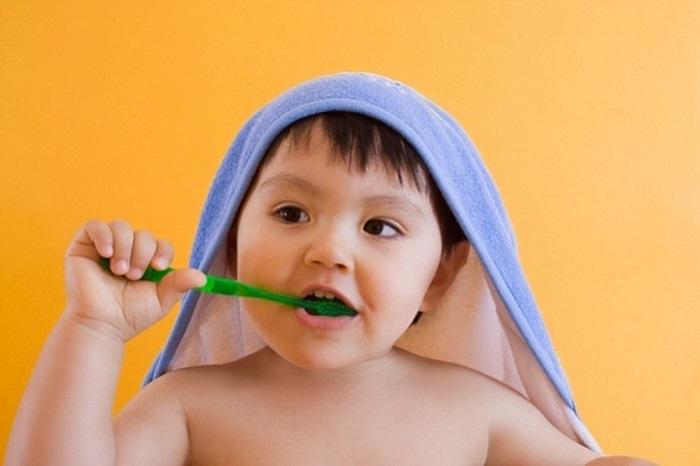Chọn bàn chải đánh răng cho bé loại nào tốt trên thị trường 2021
