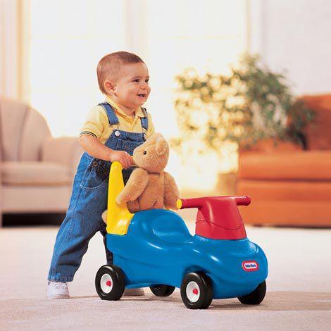 Liệu có nên mua xe chòi chân cho bé 1 tuổi hay không?