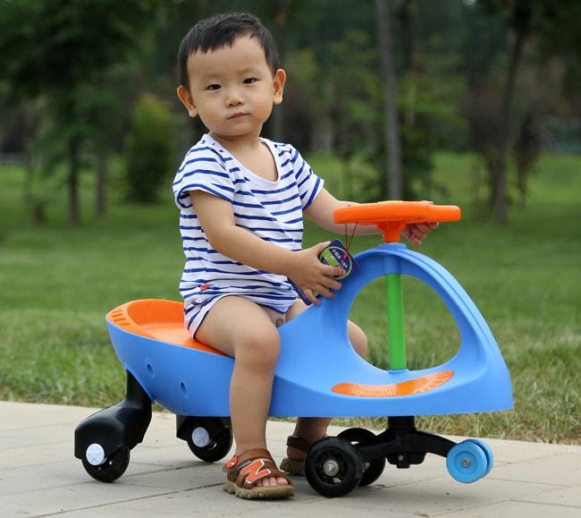 Cách lựa chọn xe lắc loại nào tốt nhất và phù hợp cho bé