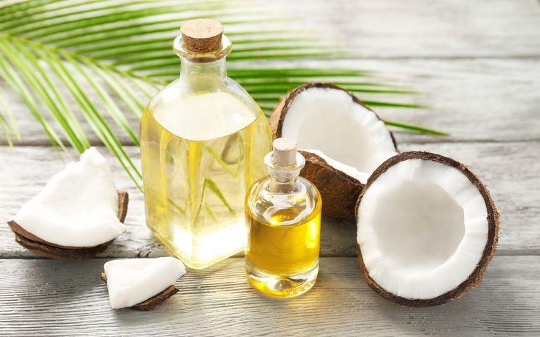 Những công dụng tuyệt vời của dầu dừa giúp bé khỏe mạnh, an toàn hơn