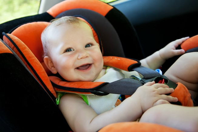 Có nên sử dụng ghế ngồi ô tô thanh lý cho bé hay không