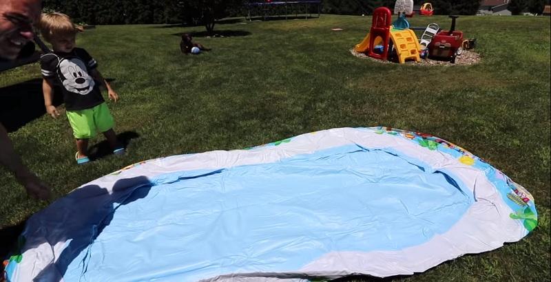 Hướng dẫn bơm bể bơi phao và cách sử dụng bể bơi cho bé