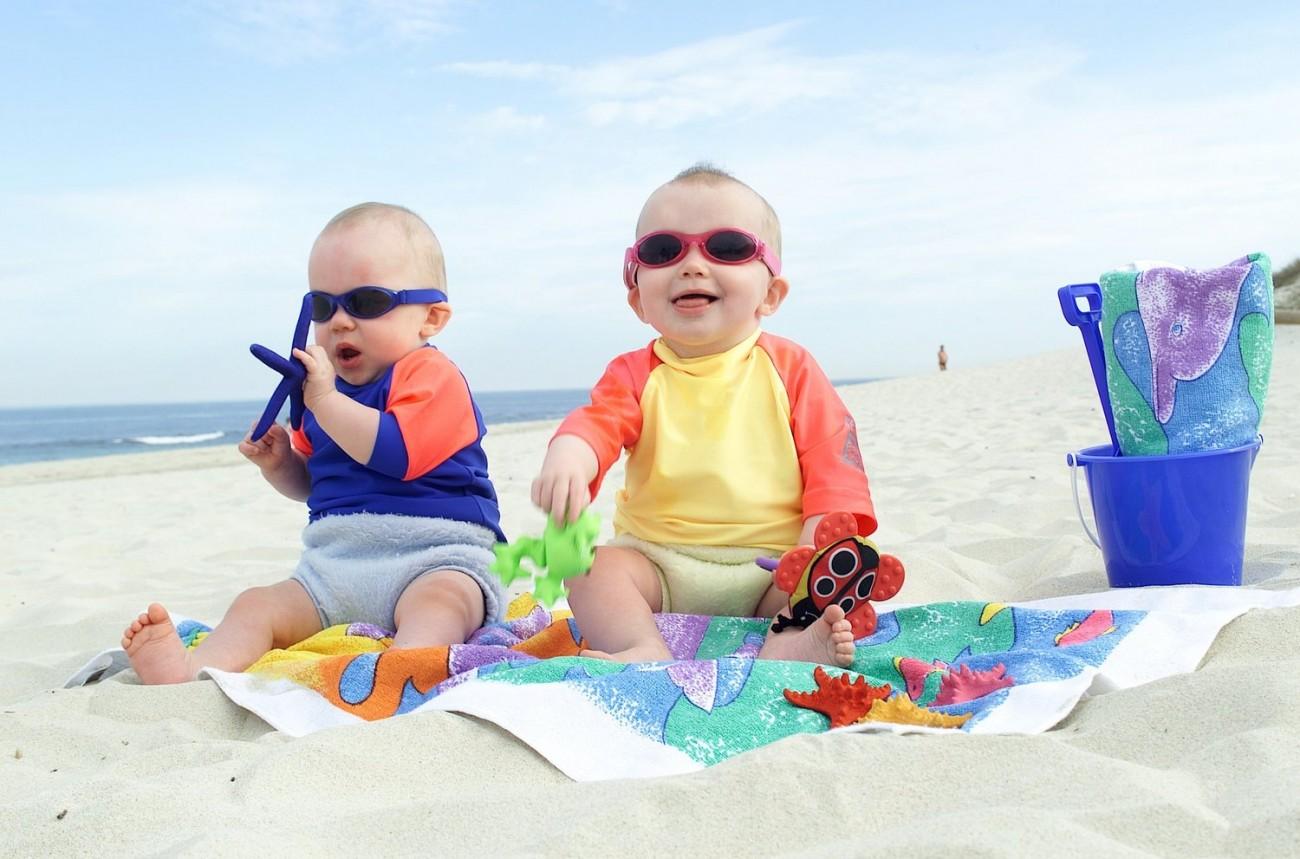 Top 5 đồ bơi trẻ em không thể thiếu khi đi biển