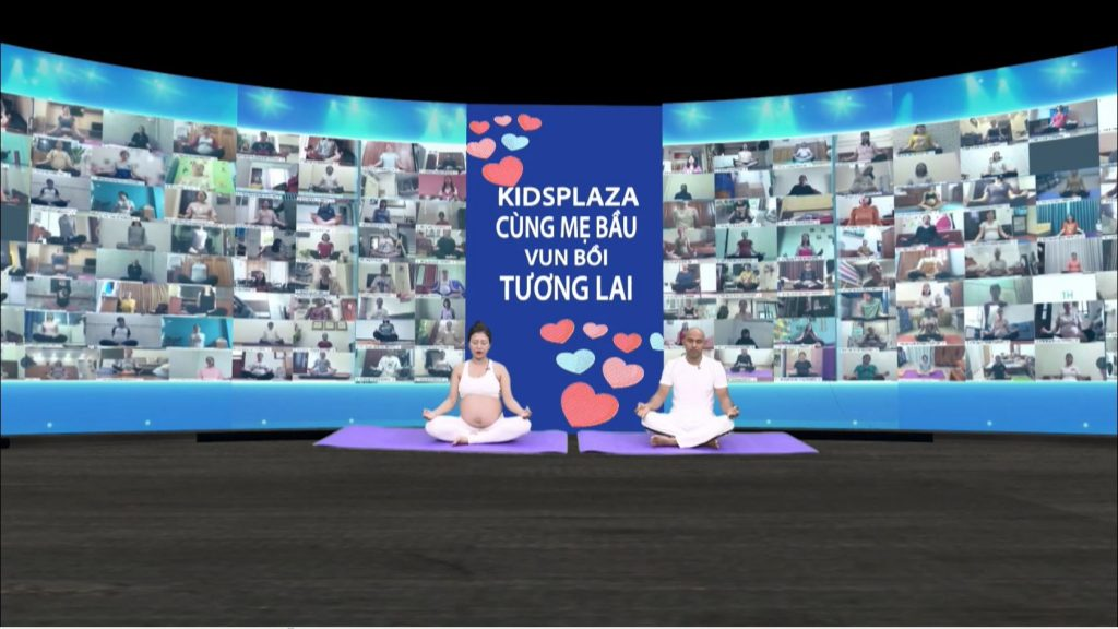 2000 mẹ bầu tập yoga trực tuyến dưới sự hướng dẫn của HLV Gurdev Singh