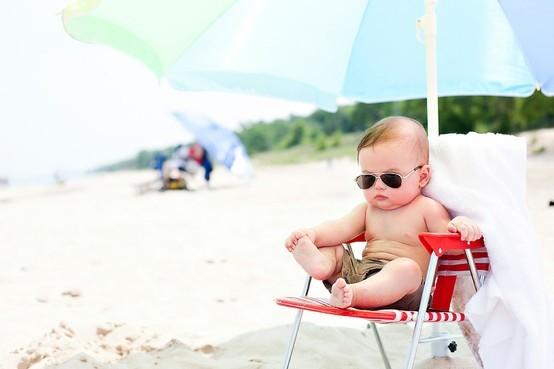Chăm sóc da bé khi bị cháy nắng