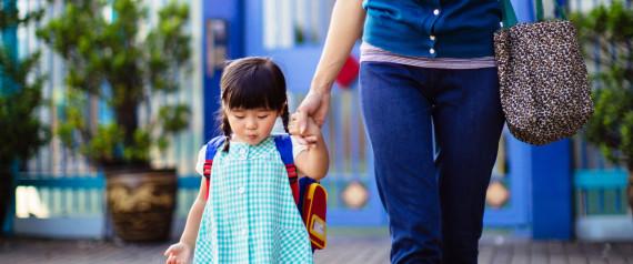 Cô giáo mầm non mách mẹ mẹo chuẩn bị tốt nhất cho lần đầu đi học của con