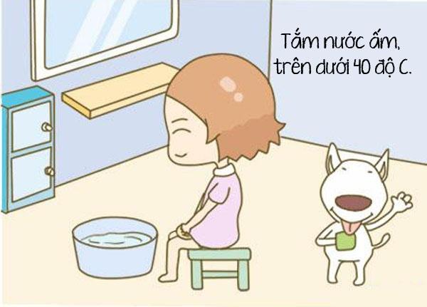 Mẹ ở cữ nên tắm với nước bao nhiêu độ?